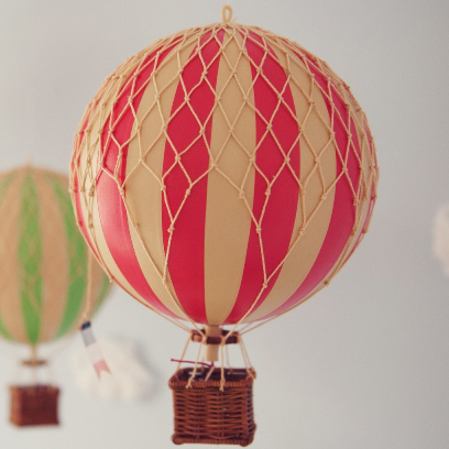 Vintage Hot Air Balloon (Red) – Medium