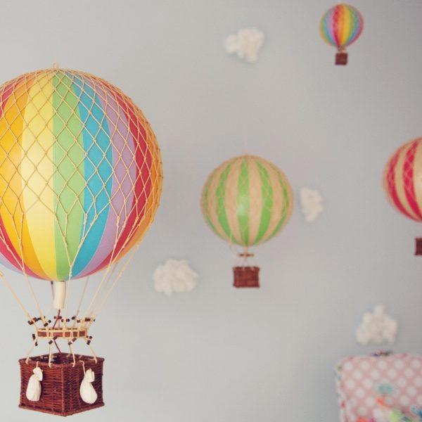 green balloon pic