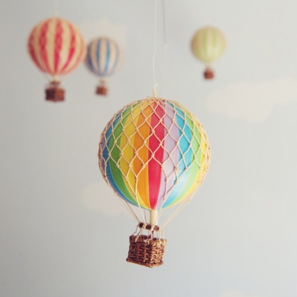 Rainbow hot air balloon – small