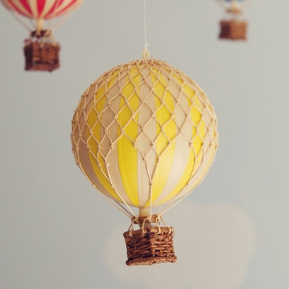 Yellow hot air balloon – small