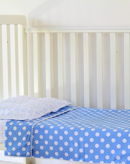 cot sheet set cornflower spot 2