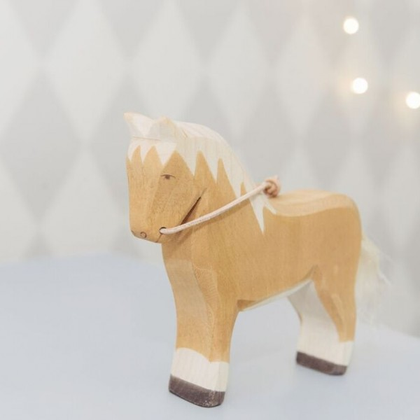 wooden horse image two